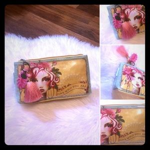 🦋2/$10 3/$15 4/$18 5/$20 Papaya Cosmetic Bag